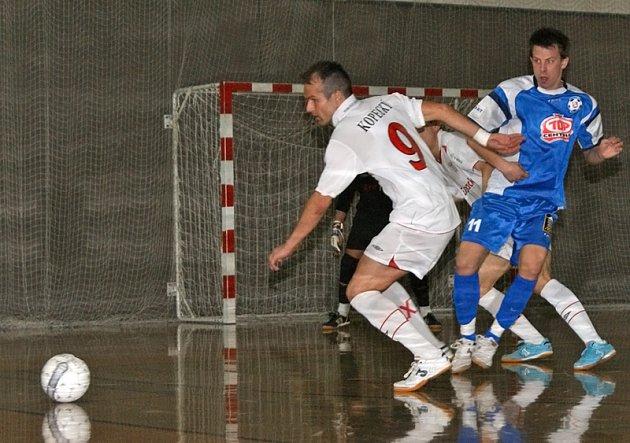 Era-Pack Chrudim si díky vítězství 3:2 nad Torfem Pardubice ve druhém čtvrtfinále I. futsalové ligy zajistil postup do dalších bojů.