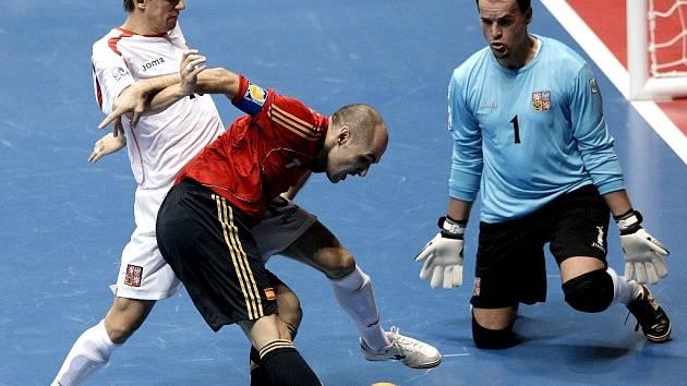 Z futsalového utkání MS v Brazílii Španělsko - Česko 4:0.