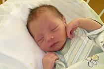 KRISTIÁN MIŇO. Malý Robert z Hrochova Týnce se může od 19. listopadu radovat z bratříčka. Narodil se ve 2:30 s mírami 2,9 kg a 49 cm. Radost měli i rodiče Lucie a Robert.