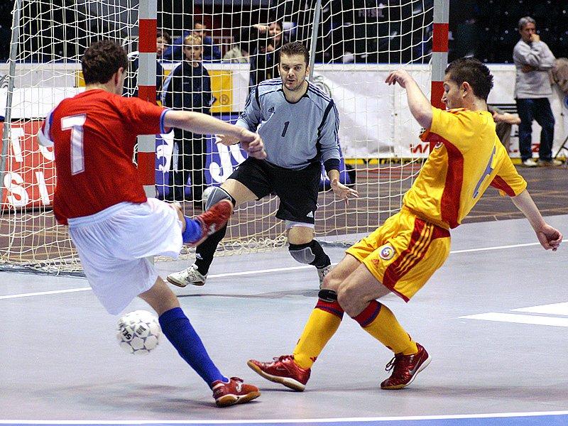 Kvalifikační futsalová bitva o postup na mistrovství světa ČR - Rumunsko skončila remízou 1:1.