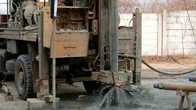 Sanační práce v areálu bývalé Transporty Chrudim.