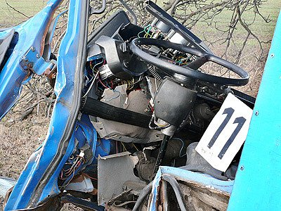 Jeden z účastníku srážky u Kočího musel být s těžkými zraněními převezen vrtulníkem k hospitalizaci.