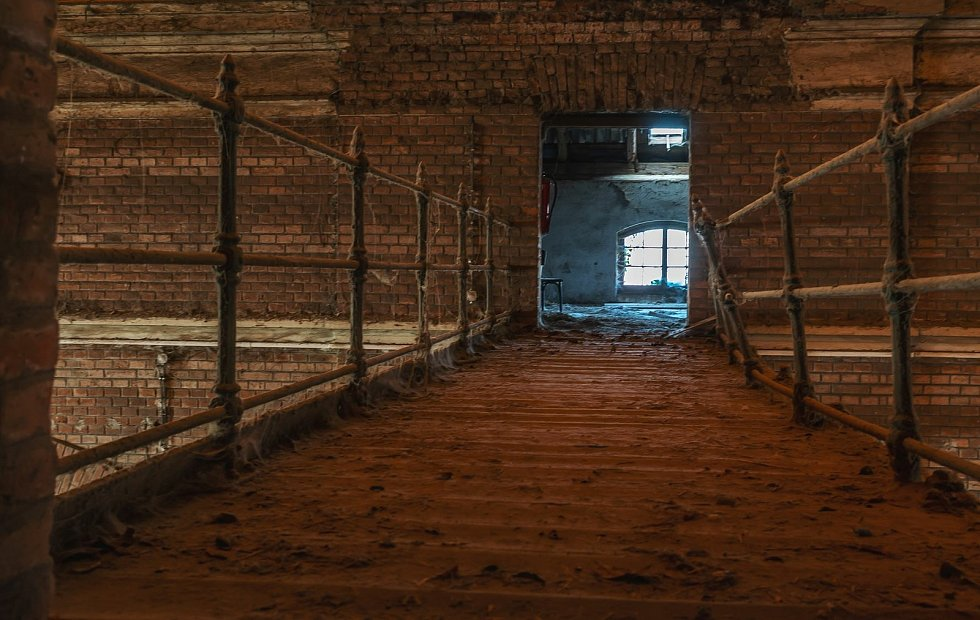 Skryté tajemství v Heřmanově Městci: nádhera , která mě oslovila. Tak vidí krásu hřebčína fotografka Michaela Purnoch.