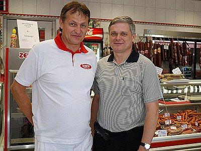 Velkouzenářkou firmu Čejka, se sídlem ve Skutči, navštívil poslanec ODS a bývalý ministr financí Vlastimil Tlustý.