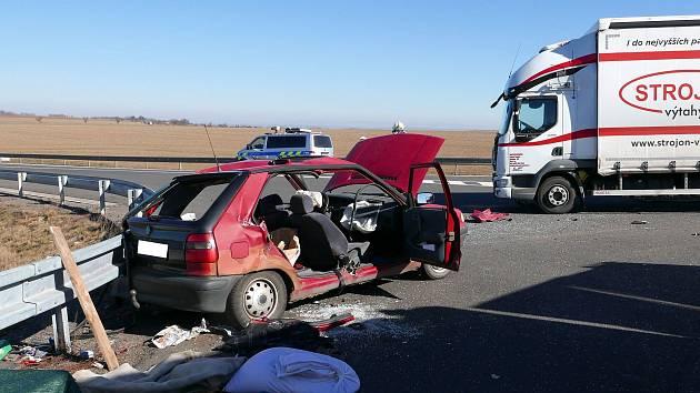 Nehoda na křižovatce silnice od Tří Bubnů