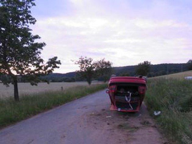 Nehoda na silnici mezi Luží a Hlubokou. Foto: Policie ČR