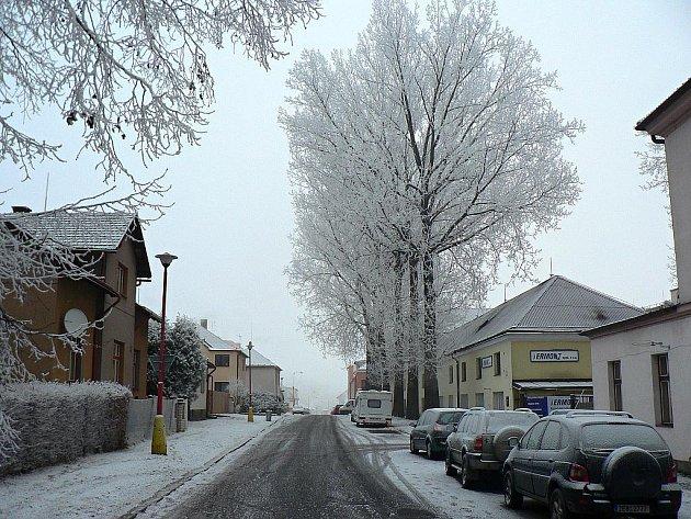 Průmyslový sníh v Hlinsku.