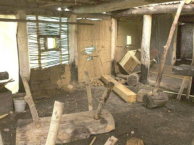 DOMEM kováře neprošla vichřice, ale vandalové.