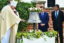 Zvon sv. Anežky byl umístěn v kostele sv. Václava v Řestokách.
