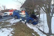 Střet vozidel Škoda Octavia a Ford Focus v Nové Vsi se neobešel bez zranění.