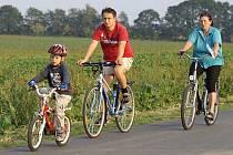 Bez přítomnosti aut by se cyklisté cítili bezpečněji.