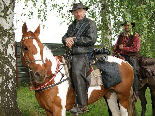 Western Riding Klubu ČR vyrazil na koních napříč Českou republikou.