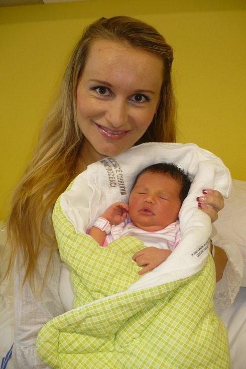 LILIANA KUČEROVÁ se 1.8. ve 20:37 narodila Aleně Kučerové z Nasavrk. Měla 2,56 kg a 45 cm.
