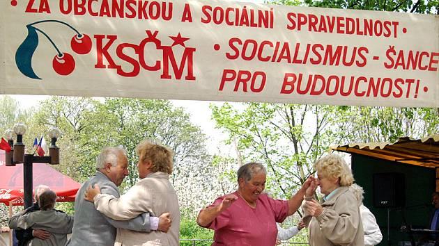 Prvomájové oslavy KSČM Na Festunku v Chrudimi.