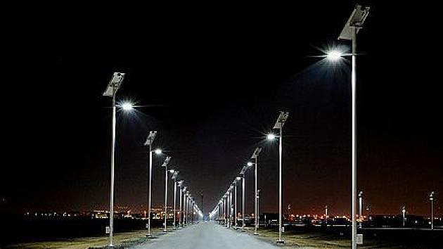 Dočkáme se v blízké budoucnosti takto zářivě osvětlených ulic technologií LED? Ilustrační foto.