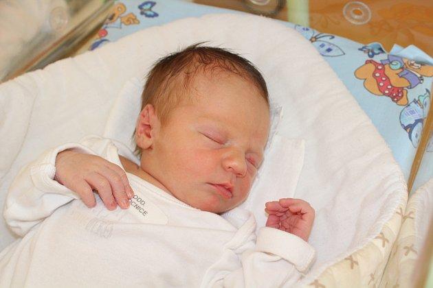 LUKÁŠEK ŠMAHEL (3,45 kg a 50 cm). Čerstvými rodiči jsou od 25.9. od 14:52 Lucie a Jan zChrudimi.