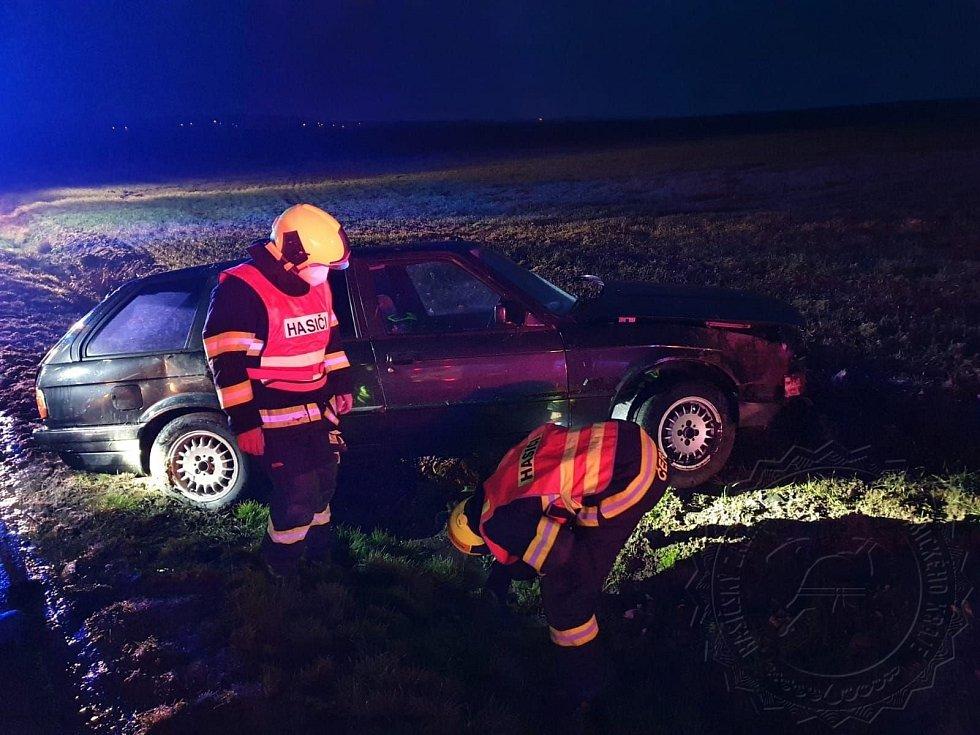 Nehoda u Čankovic tří aut se čtyřmi zraněnými.