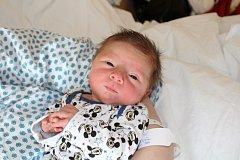 KRISTIJAN MIKI TRIPKOVIĆ (3,16 kg a 51 cm) je od 8.5. od 15:52 jméno prvního miminka Kristýny a Mikiho z Mikulovic.