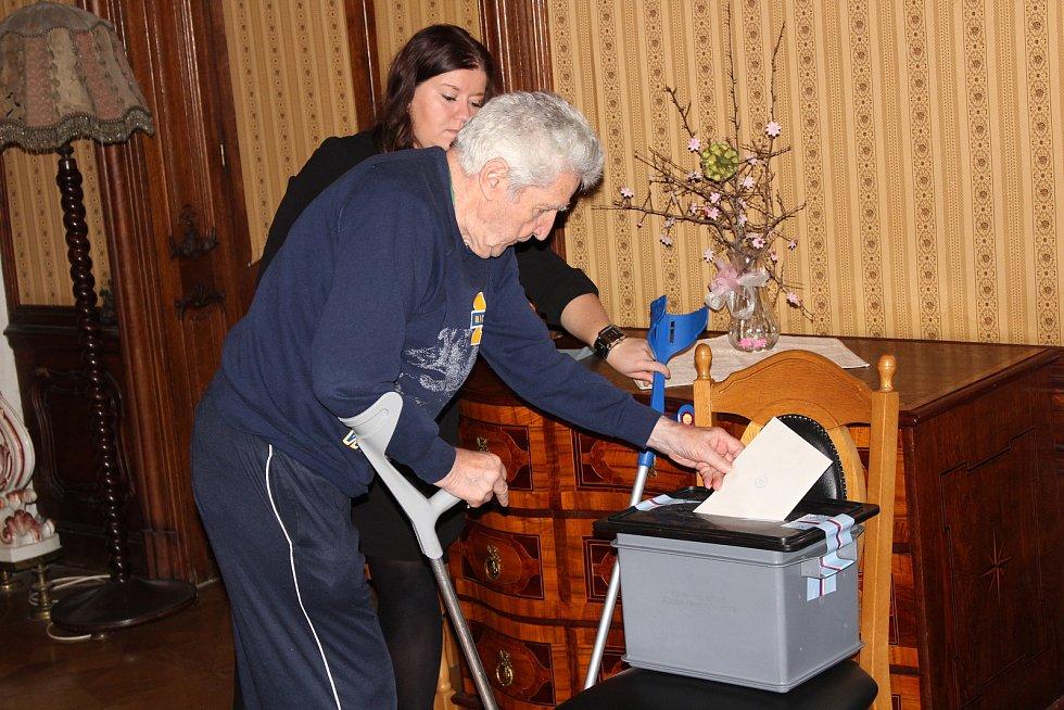 Volby v Domově pro seniory v Heřmanově Městci.