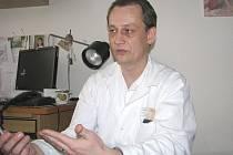 PEDIATR JAN ČEŠEK svolil k rozhovoru, ve kterém vyjadřuje svůj osobní názor. Nehovoří za své kolegy v nemocnici.