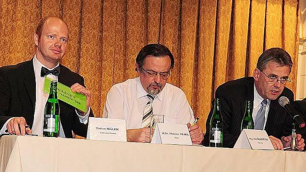 Chrudimským starostou byl na zasedání zastupitelstva 6. prosince 2010 zvolen Petr Řezníček.