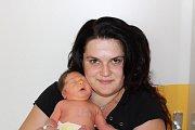 DOMINIK REMEŠ (2,9 kg a 48 cm) je od 20.7. od 17:25 jméno prvního miminka Heleny a Vlastimila Remešových ze Srubů.