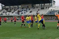 Přímý souboj o druhou příčku divizní tabulky přinesl kvalitní fotbal, který nakonec skončil dělbou bodů.  AFK Chrudim – FC Velim 2:2 (2:1).