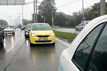 Nový minivůz Škoda Citigo se proháněl po Hradci Králové.