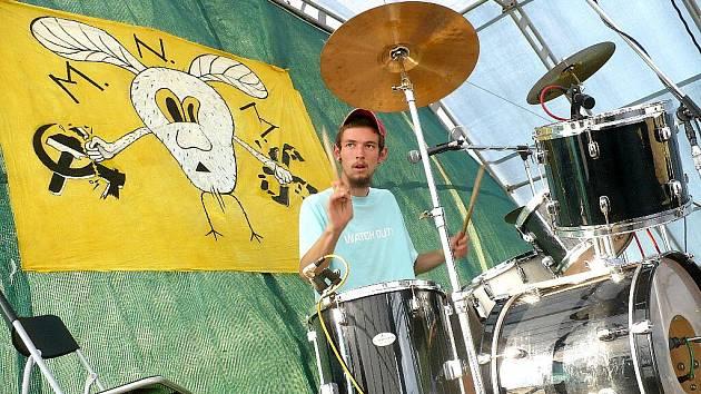 Závěrečný den hudebního festivalu Yanderov 2009.