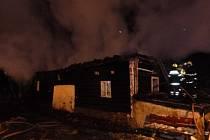 V neděli 18. ledna v 2.45 hodin zasahovalo osm hasičských jednotek u požáru roubenky v Krouně