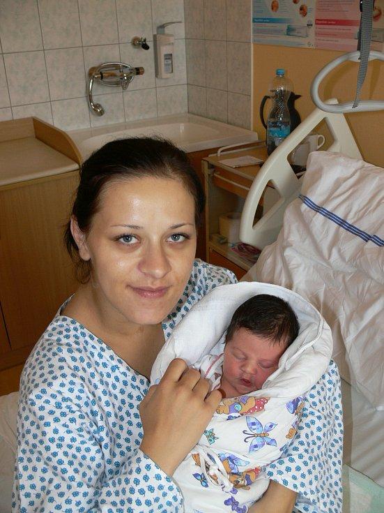 VANESKA MEDVEGYOVÁ (4,21 kg a 53 cm) je od 24.6. od 21:30 prvorozenou dcerou Kristýny a Tomáše z Pardubic.