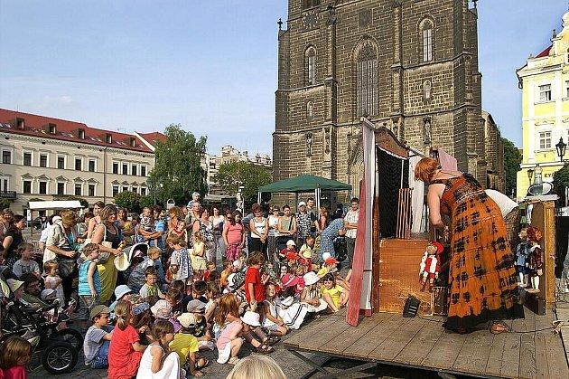 59. ročník festivalu amatérského loutkářství Loutkářská Chrudim byl slavnostně zahájen.