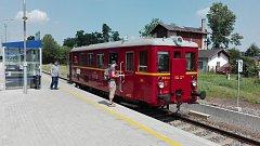 Motorový vlak ve Slatiňanech