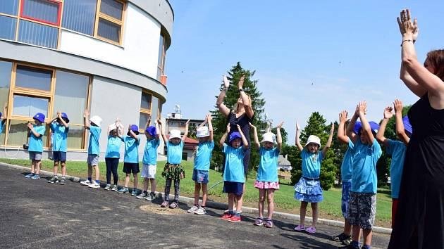 Otevření dostavby mateřské školy v Nasavrkách.