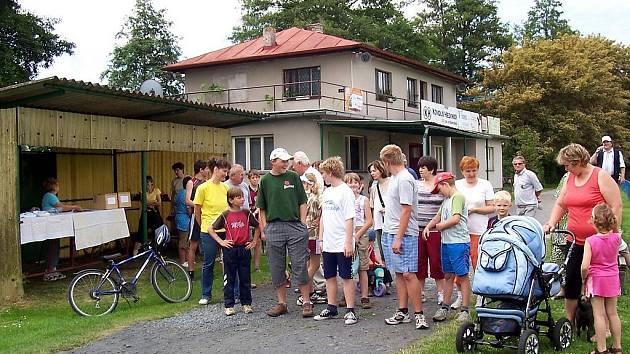 Běh naděje mohli účastníci absolvovat pěšky, na kole i v dětském kočárku.