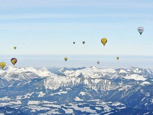 Nádherné pohledy z balonu nad Alpami