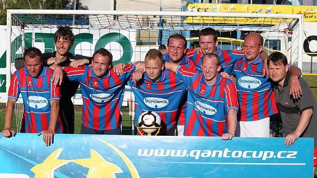 FOTBALISTÉ SRNÍČKA HLINSKO obsadili druhé místo na největším českém turnaji v malé kopané Qanto Cup – Festival fotbalového srdce, který se hrál v Moravské Třebové.