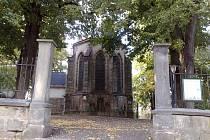"""Prostor za kostelem Nanebevzetí Panny Marie na školním náměstí nebo Michalský park patří mezi stále nevyřešené """"evergreeny""""."""