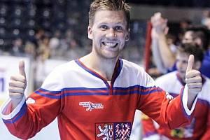 Sportovní obojživelník. Jan Bílý toho za svoji kariéru dokázal mnohé - má i zlato z hokejbalového mistrovství světa.
