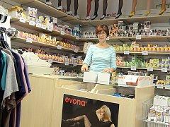 Prodejna Evona na Resselově náměstí dostala nový kabát.