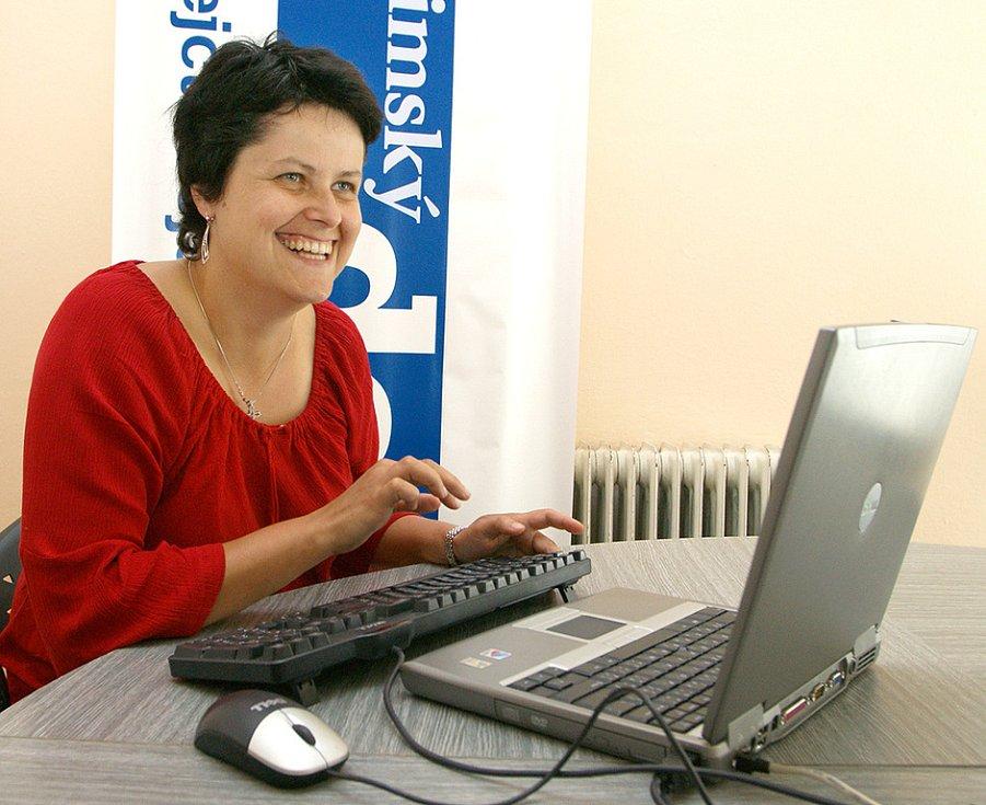 Psychoterapeutka Petra Lášková v redakci Chrudimského deníku.