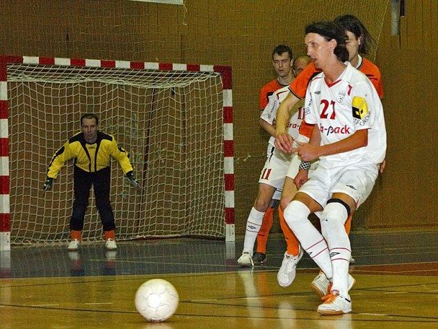 Era-Pack Chrudim prohrál v I. semifinále s Mladou Boleslaví 1:4 a přišel o ligovou neporazitelnost.