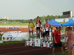 Na mistrovství republiky dorostu v Třinci se David ve skoku o tyči umístil na druhém místě.