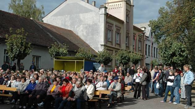 Oslavy 700. výročí Ronova nad Doubravou.
