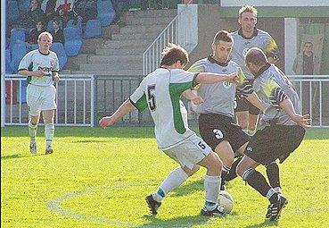 Zápasy FC Hlinsko a Masokombinátu Polička  mají v krajském přeboru příchuť rivality.