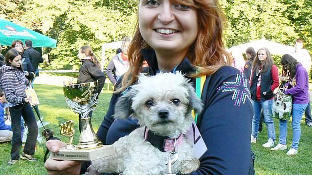 První místo obsadil po dlouhé době drobný psík Půca s paničkou Lucií Šárovcovou.