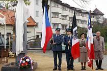 Odhalení nového pomníku Tomáše G. Masaryka od chrudimského akademického sochaře Jaroslava Brože v Parku republiky.