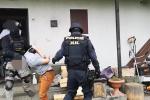 Chrudimští kriminalisté společně s kolegy z Krajské pořádkové jednotky v minulých dnech zadrželi třicetiletého muže, který se vyhýbal nástupu výkonu trestu odnětí svobody.