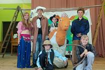 Základní škola v Bojanově nacvičuje pohádkový muzikál Lotrando a Zubejda.