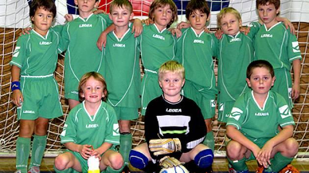 Úspěšný tým mladší přípravky FC Hlinsko.